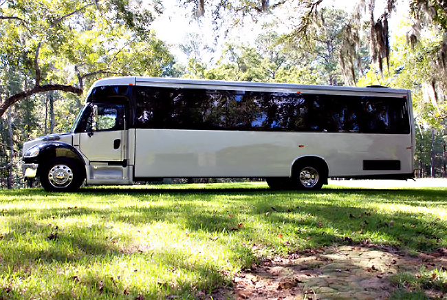 New Orleans 40 Person Shuttle Bus